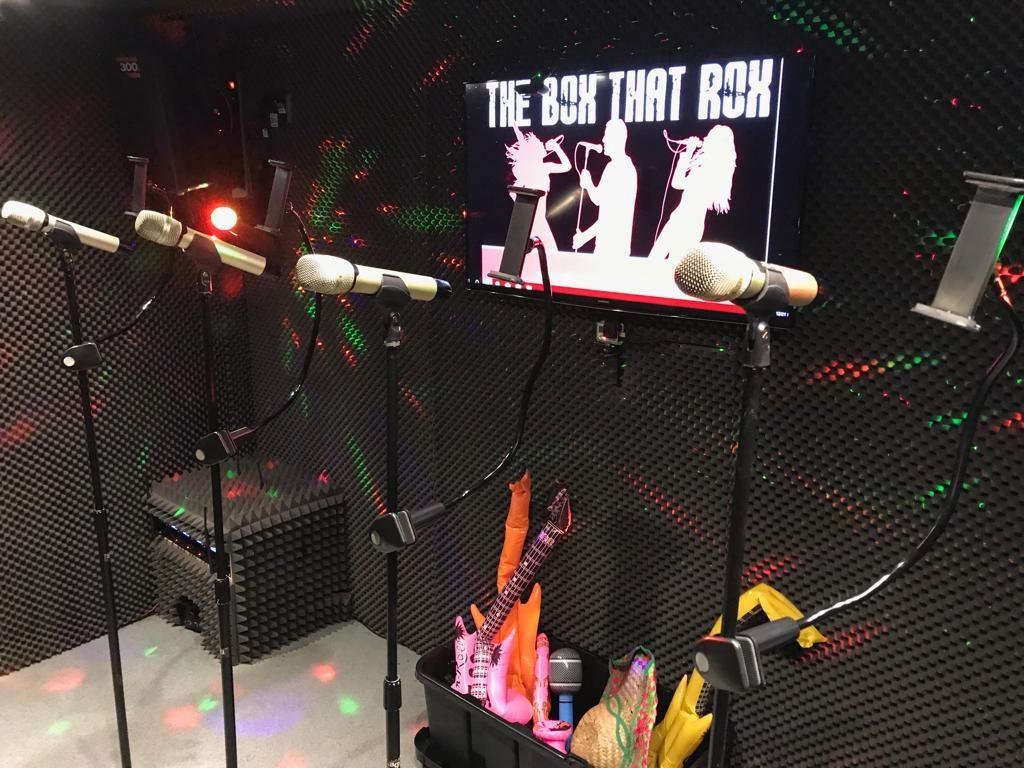 Mobile karaoke and video live lounge